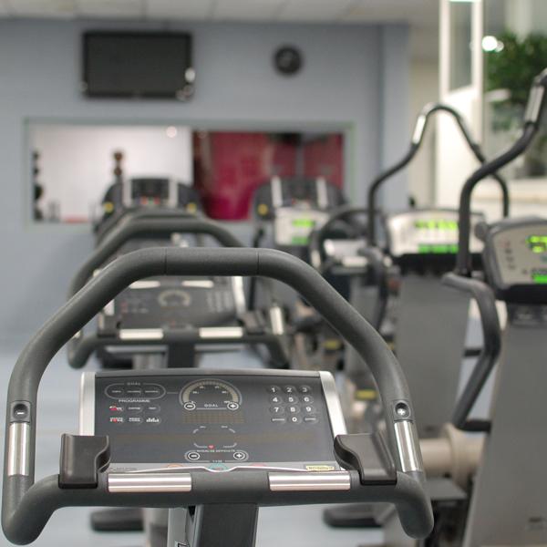 salle de sport et fitness tours centre halles gym. Black Bedroom Furniture Sets. Home Design Ideas